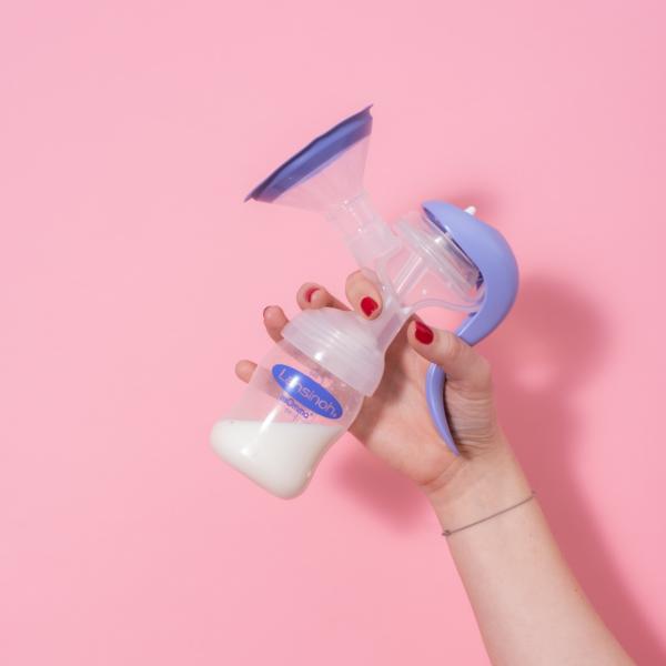 Lansinoh Manuálna odsávačka materského mlieka